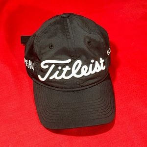 NWT TITLEIST golf cup hat black